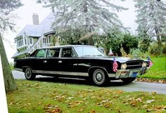 In American Motors (AMC) built an Ambassador limousine. Rambler American, Vintage Cars, Antique Cars, Vintage Auto, Muscle Cars, Hudson Car, Limousine Car, Presidential History, Flower Car