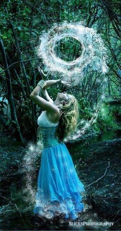 Image via We Heart It https://weheartit.com/entry/122163471/via/31113255 #blonde #girl #magic #watermagic