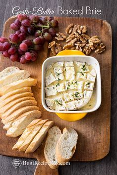 Easy baked brie dip with garlic butter. Our garlic butter baked brie dip is super easy and done in 15 minutes in the oven. Best recipe for bake brie dip baking Best Baked Brie Dip Recipe with Garlic Butter Baked Brie Recipes, Garlic Recipes, Dip Recipes, Gourmet Recipes, Cooking Recipes, Brie Cheese Recipes, Cheap Recipes, Cooking Pasta, Cooking Pork