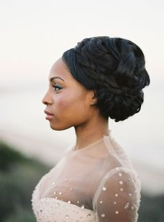 25 Ridiculously Beautiful and Romantic Bridal Updos
