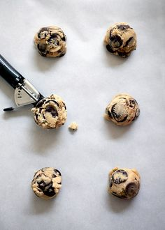 Jacques Torres' Chocolatey Chocolate Chip Cookies by Bakerella, via Flickr