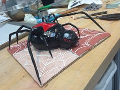 Realistic Spider Cake Halloween spider cake inspired by the black widow spider Spider Cake, Black Widow Spider, Animal Cakes, Halloween Spider, Cake Decorating, Cake Birthday, Logan, Baby, Baby Humor
