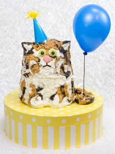Can this cat cake be our spirit animal? #caturday #birthday
