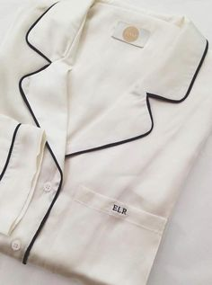 What is so special about silk pajamas. Why bother to buy them, cotton pajamas will serve the same purpose? Here's a few reasons to owning a pair of silk pajamas Satin Pyjama Set, Satin Pajamas, Pajama Set, Women's Pajamas, Womens Fashion Online, Latest Fashion For Women, Monogrammed Pajamas, Pijamas Women, Pajamas For Teens