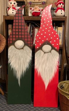 Christmas Wood Crafts, Christmas Signs Wood, Christmas Gnome, Christmas Projects, Holiday Crafts, Christmas Decorations, Christmas Ornaments, Theme Noel, Craft Show Ideas