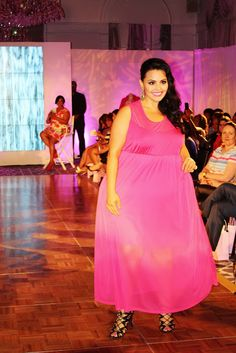 Rosie Mercado looking gorgeous in her FUERZA dress (available at Sonsi.com) at the #SonsiFFFWeek Curves for a Cure event! // Image via @Karen Ward