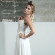 Hey, I found this really awesome Etsy listing at https://www.etsy.com/listing/203629303/glamorous-boho-wedding-dress-low-back