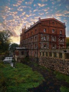 Dom Weselny: Stary Młyn w Morawicy - idealne miejsce na wesele, poleca GdzieWesele.pl http://www.gdziewesele.pl/Domy-weselne/Stary-Mlyn-w-Morawicy.html