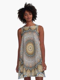 Bohemian mandala of joy: Relaxing and meditation mandala design. Modern Fashion Outfits, Dress Fashion, Boho Fashion, Winter Outfits Women, Spring Outfits, Cute Casual Outfits, Chic Outfits, Mandala Design, Streetwear Fashion