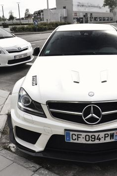 Mercedes-Benz C 63 AMG Coupé #White #Mercedes #Vavavroom