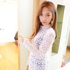 Luna South Korean Girls, Korean Girl Groups, Song Qian, Sulli, Best Albums, Krystal, Victoria, Wedding Dresses, Women