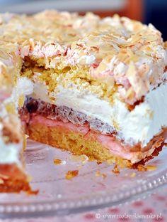 Rhubarb Cake with Meringue and Vanilla Cream | Ciasto z rabarbarem bezą i waniliową bitą śmietaną (in Polish)