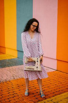 Sukienka z falbanami uszyta z wykroju Burda 4/2021