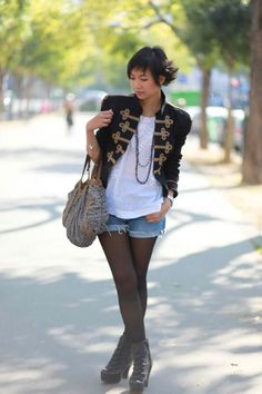 The whole look is a must try. I like the jacket the most. #DESKTOP'SARCHIVE