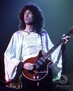 """""""Happy Birthday to legendary Queen guitarist Brian May! Queen Guitarist, Best Guitarist, Rock And Roll, Queen Brian May, Roger Taylor, Greatest Rock Bands, Queen Freddie Mercury, Queen Band, John Deacon"""