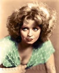 Clara Bow Clara Bow, Photoshop, American Dad, Silent Film, Online Images, Green Dress, American Actress, Movie Stars, Vintage Photos