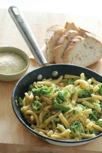 Pasta with broccoli and pine nuts. I tried this with spaghetti broken in half, almonds instead of pine nuts, and added Canadian bacon. Tasted great, but she's right—needs more broccoli. Rigatoni, Penne, Healthy Pasta Dishes, Mac Cheese Recipes, Pasta Recipes, Spaghetti, Broccoli Pasta, How To Cook Pasta, Fresh Herbs