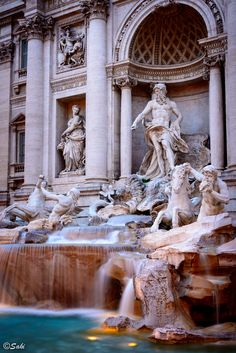 Trevi Fountain, Rome, Italy.  Toss a coin and make a wish! Love Rome
