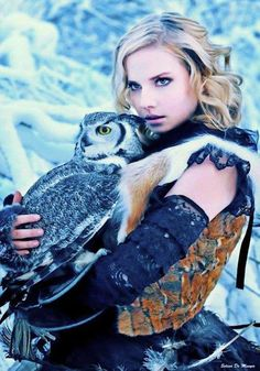 ghost-man-blues:    Warrior woman with owl