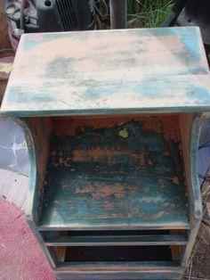 Can THIS nightstand REALLY be saved?    http://trash2treasure.wordpress.com/2012/08/26/trash-to-treasure-night-stand/