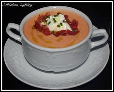 Tomato cold soup typical of Spain (healthy) http://recetasde2.blogspot.com.es/2014/07/salmorejo-la-crema-de-queso-con-albahaca.html