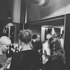 Team #social all'opera... perché se non lo condividi non è mai esistito#social #granbar #torino #nottedastylist #torinoshoppinglam #fashionista #instaglam #glamour #outfit #ootd #music #instapic #fashion #moda