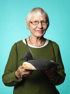 Irma Welander som bor i Tullinge samlar på vettar, efter Antikdagen kan hon lägga ytterligare en till sin samling, pris 1 025 kr.