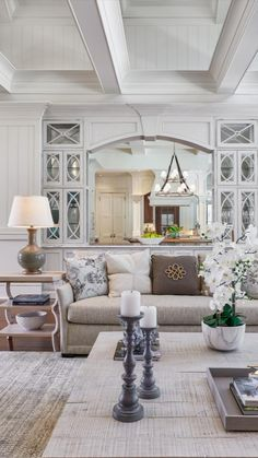 Southern Living Rooms, French Living Rooms, French Country Living Room, Formal Living Rooms, New Living Room, Living Room Modern, Home And Living, Living Room Designs, Low Country