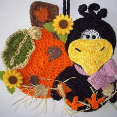 Crochet Crow and pumpkin wall hanging, my own design, by Jerre Lollman