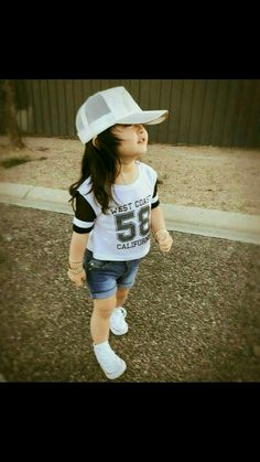 Now you are one of them to search girl dp Cute Kids Pics, Cute Baby Girl Pictures, Cute Baby Boy, Cute Little Girls Outfits, Dresses Kids Girl, Kids Outfits, Stylish Baby Girls, Baby Girl Fashion, Kids Fashion
