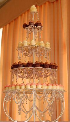 Cupcake stand!!!!! Brooke style!