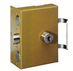 on peut assurer toutes sortes de services de serrurerie pour une pose parfaite des équipements thermiques.