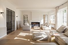 Contemporary renovation of a classic villa in Oud-Heverlee . Living Room Interior, Home Living Room, Home Interior Design, Living Area, Interior Architecture, Living Room Decor, Living Spaces, Living Room Inspiration, House Design