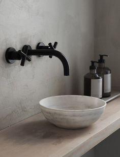 #WestwingNL. Minimalistic Bathroom. Voor meer inspiratie: westwing.me/shopthelook
