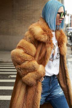 NYFW Fall 2017: Street Style Day 3 http://polyv.re/2l96UVN