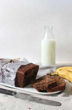 Wicked sweet kitchen: Banana & chocolate bread / Banaani-suklaaleipä Chocolate Banana Bread, Glass Of Milk, Wicked, Rolls, Sweet, Kitchen, Buns, Articles, Food