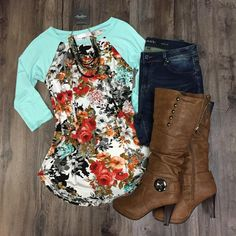 3/4 Sleeve Floral Print Top baseball tee raglan tee randy Spring outfit inspiration 2017.  Outfit ideas for spring.  www.hawthornecollection.com