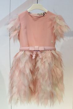 Kids, winter 2015 mini me light pink party dress at Pitti Bimbo… Kids Winter Fashion, Kids Fashion, Fashion Dolls, Pink Party Dresses, Girls Dresses, Dress Anak, Kids Gown, Fendi, Feather Dress