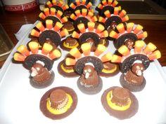 thanksgiving dessert treats   Hezzi-D's Books and Cooks: Happy Thanksgiving! 2 Turkey Desserts