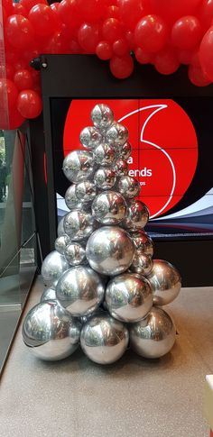 39de05f2a7a94 All mirror finish silver balloon Christmas tree. What an elegant color for  a  Christmas