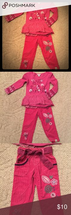 Pink 2-piece outfit. Naartjie Kids pink floral outfit. Pants are corduroy with removable tie around the waist. Elastic waist. Matching Sets