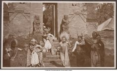 Balinese dancers in front of a temple, photographer unknown Source: Prentenkabinet Leiden, The Netherlands Temple Bali, Balinese, Vintage Pictures, 1930s, Illusions, Tourism, The Incredibles, Dancers, Culture
