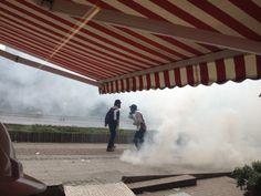 #1Mayıs polis geri çekilirken gaza boğdu ortalığı