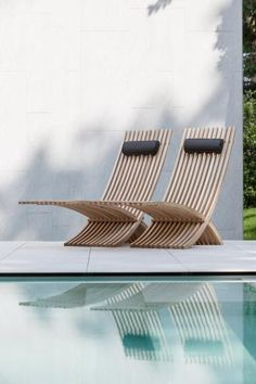 Villa D_Keerbergen, outdoor design by T Huis van Oordeghme (photo © Thomas de Bruyne) _ Love these chairs!