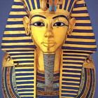 The famous funerary mask of Tutankhamun in Gold, semiprecious stones, quartz and glass paste - ancient Egypt - Egyptian Museum Egyptian Mask, Ancient Egyptian Art, Ancient History, Art History, Egyptian Queen, Black History, National Geographic Kids, Art Antique, Egypt Art