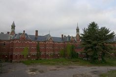 The Danvers State Insane Asylum is, of course, the most famous of all abandoned psychiatric hospitals. It was built in 1878 in an extremely rural location in Massachusetts