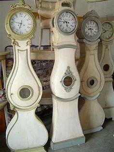 @Phillip Hennche Hennche Hennche Hennche Hennche Bennett (You should start making these next :) Mora clocks