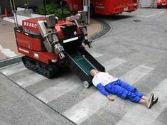 japanese fire brigades | Tokyo Fire Department's Robocue. (C)Tokyo Fire Department