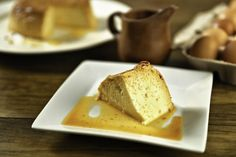 This Venezuelan flan, also called quesillo, is a pudding-like rich dessert that is soused in a lot of caramel. Discover how to prepare this sweet dish.