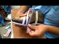 Dónde y cómo colocar las correas en una sandalia al montarla - YouTube